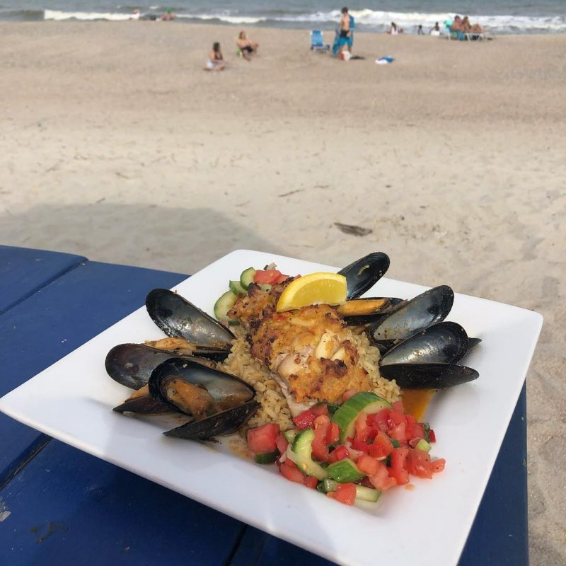 Meal from The Sandbar & Kitchen || Amelia Vacations