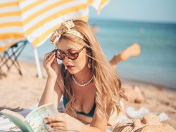 woman-reading-on-the-beach